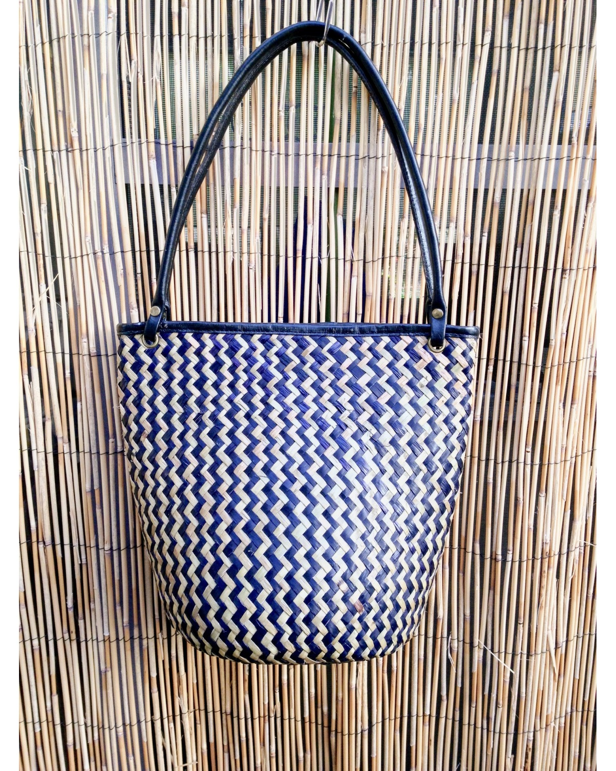 https://deanalan.us/2672-thickbox_default/bali-rattan-and-leather-shoulder-bag.jpg